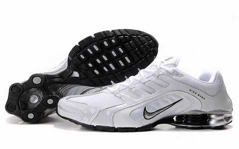 Baskets Nike Shox Homme baskets 2685