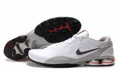 Baskets Nike Shox Homme baskets 2689